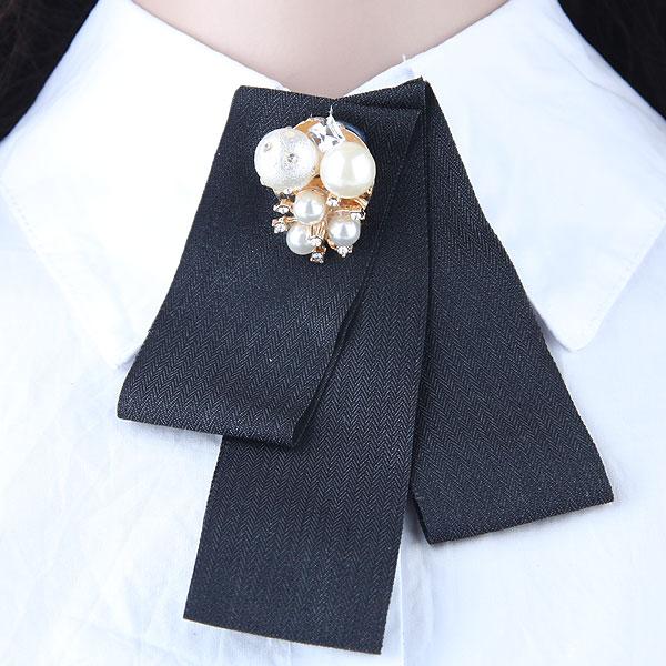 欧美潮流 百搭珍珠配饰简洁女士衣领胸针